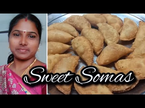 Sweet Somas Recipe in Tamil || இனிப்பு சோமாஸ் || Diwali Special Somas Recipe by Jeeva